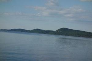 Hills_and_Lake